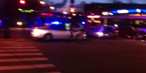 Rīgā 3,67 promiļu reibumā vīrietis ar 'Audi' taranē autobusu