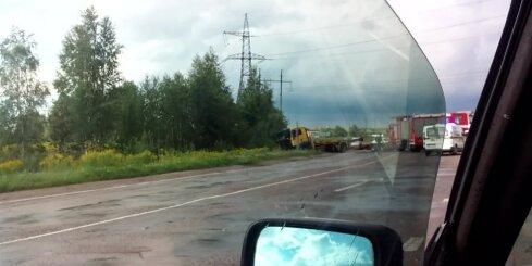 Vairāku automašīnu avārija Jelgavā