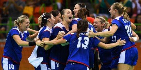 Женская сборная России по гандболу впервые выиграла олимпийское золото