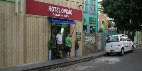 Futbola faniem Brazīlijā jādzīvo 'mīlas viesnīcās'