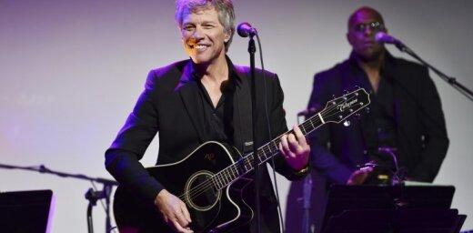 'Bon Jovi' uzņems Rokenrola slavas zālē