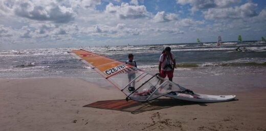 Pasaules jauniešu čempionāts vindsērfingā Liepājā – aculiecinieka acīm