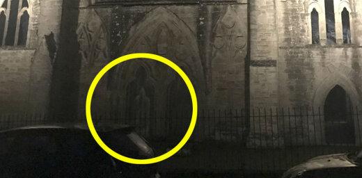Foto: Klostera drupās Velsā piefiksēts mūka spoks