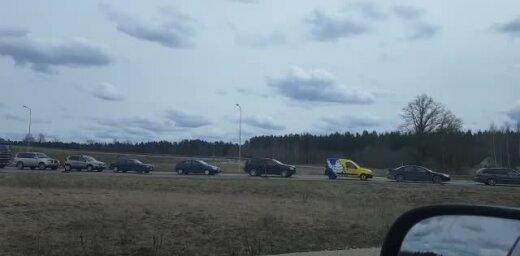 Video: Pie Valmieras izveidojies milzu sastrēgums