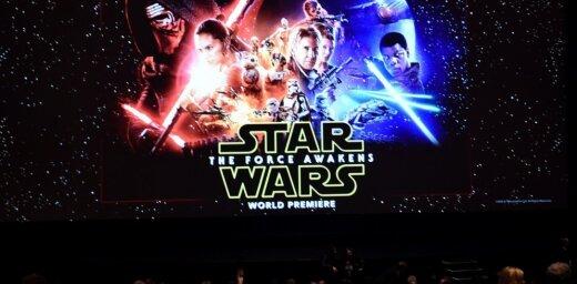 """Disney запустит новую кинотрилогию и сериал по """"Звездным войнам"""""""