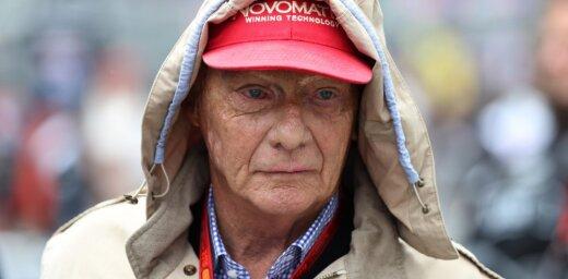 'Mercedes' F-1 komandas vadībā paliek Lauda un Volfs
