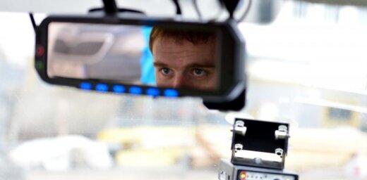 Olainē nepilngadīgs šoferis bēgšanas laikā sabojājis pērn iegādāto policijas netrafareto auto