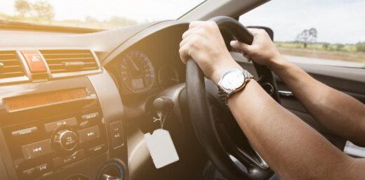 14% autobraucēju apsvērtu spēkrata iegādi ar stūri labajā pusē
