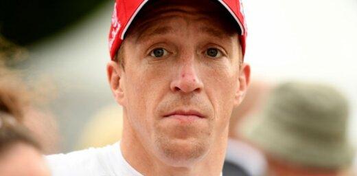 Pārāk daudzu avāriju dēļ 'Citroen' WRC komanda atlaiž britu pilotu Mīki