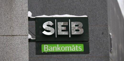 Svētdienas vakarā ierobežos pieeju SEB maksājumu kartēm un bankomātiem