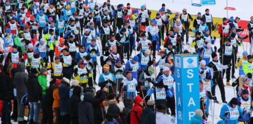 Tūkstošiem slēpotāju piedalās populārajā Tartu maratonā. Video tiešraide