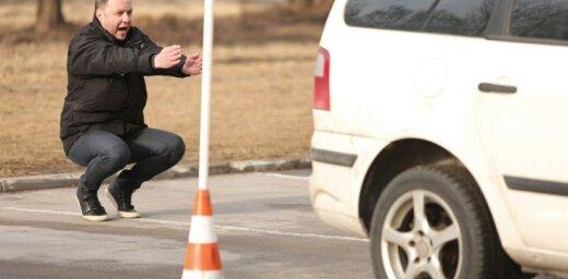 Autovadītāji aktīvi izmanto iespēju uzlabot savas 'parkošanās' iemaņas