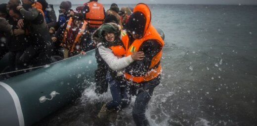 Миграционный кризис в Европе: НАТО отправляет военные корабли