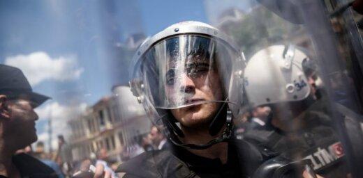 """Турция: 9000 полицейских отстранены от работы """"за связи с Гюленом"""""""