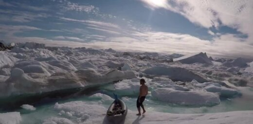 ФОТО, ВИДЕО: Синие киты, белоснежные айсберги и... комары. Читатель делится впечатлениями о Гренландии