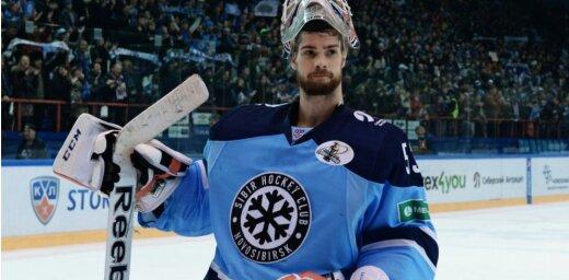 Novosibirskas 'Sibirj' vārtsargam Salakam šī KHL sezona ir beigusies