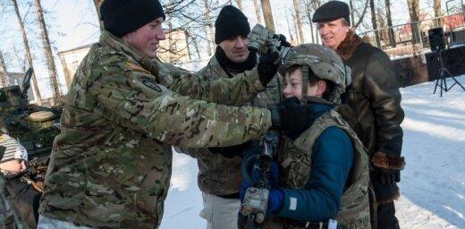 ФОТО: В Резекне прошел учебный марш НАТО