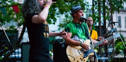 Noklausies! Publicēti divi jaunu populārās 'Riga Reggae' dziesmas 'Zvans pie durvīm' remiksi