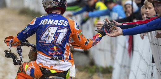 Jonass triumfē pasaules čempionātā un pārraksta Latvijas motokrosa vēsturi