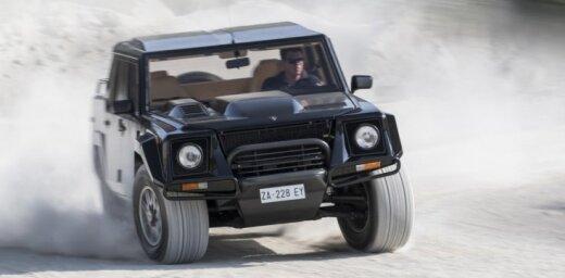 Gaidot jauno 'Lamborghini' apvidnieku, ražotājs priecē ar oriģinālā 'LM002' fotosesiju