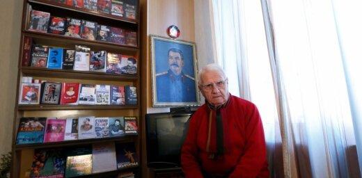 Katru rītu sasveicinos ar viņu: Staļina fanu klubs Gruzijā