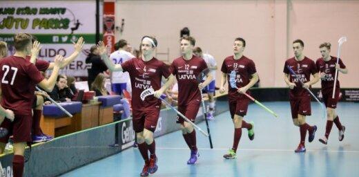 Latvijas florbola izlase nodrošina ceļazīmi uz pasaules čempionāta finālturnīru