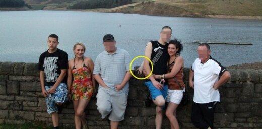Interneta sensācija: ģimenes arhīva fotogrāfijā piefiksēts spoks