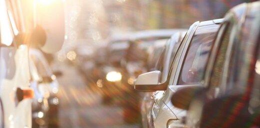 Ceļā uz galvaspilsētu vietām veidojas sastrēgumi