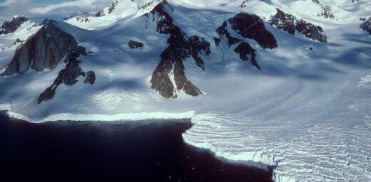 В Антарктиде обнаружили гигантскую загадочную дыру