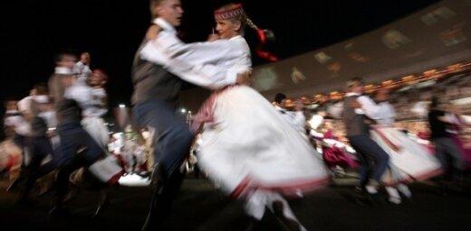 Veidos izstādi par Skolu jaunatnes dziesmu un deju svētku vēsturi