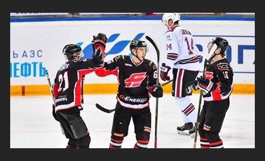 Хоккеисты «Авангарда» забросили 9 шайб вворота рижского «Динамо» вматче КХЛ