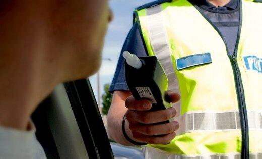 Водителям, возможно, запретят выпивать после того, как их остановила полиция