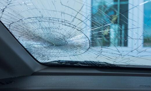 Piektdien ceļu satiksmes negadījumos cietuši 13 cilvēki