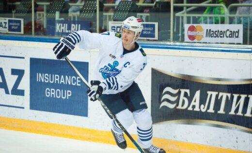 Latvijas hokeja aizsargu duelī Bārtulis un 'Admiral' uzvar 'Red Star' ar Kuldu