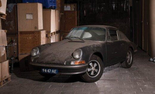 Izsolīs 30 gadus šķūnī nostāvējušu 'Porsche 912'