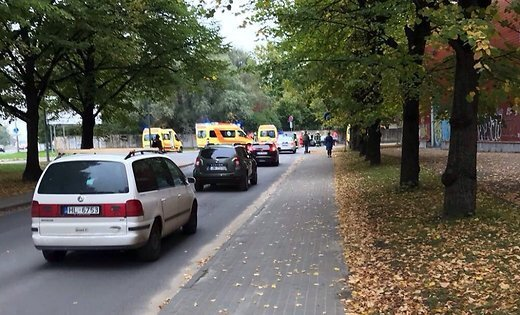 ВРиге шофёр Вольво протаранил толпу детей