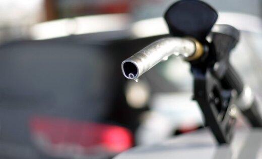 Рост налогов: сколько миллионов евро латвийские водители заплатили после повышения акциза на топливо