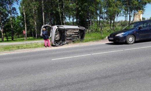 Foto: Maskavas ielā sadūrušies divi auto
