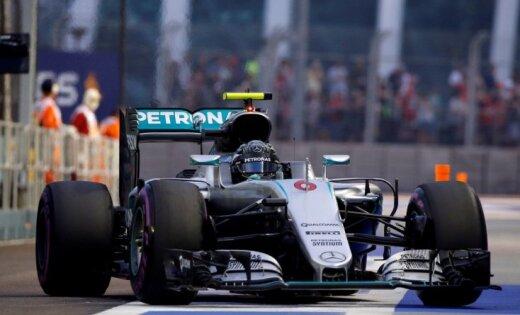 Росберг одержал победу квалификацию Гран-При Сингапура