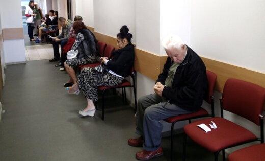 Семейные врачи продолжат забастовку по крайней мере еще две недели