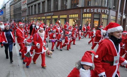 В Риге пройдет традиционный Благотворительный забег Дедов Морозов