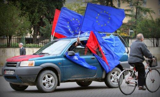 Европейская комиссия желает начать переговоры сАлбанией иМакедонией
