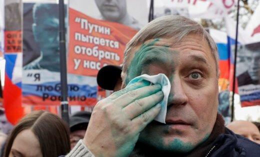 Касьянову плеснули зеленкой влицо намарше Немцова в столице России