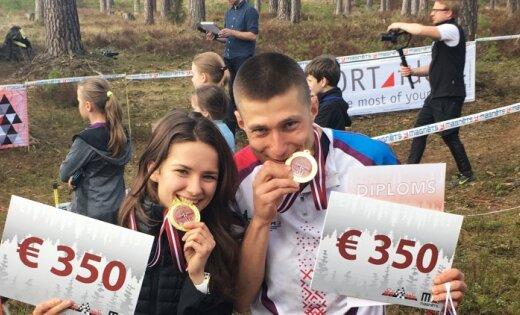 Rīgas kausos orientēšanās sportā spraigā cīņā uzvar Grosberga un Silds