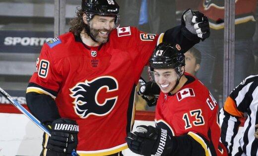Кучеров иНаместников забили пошайбе, Ягр повторил рекорд— Чемпионат НХЛ