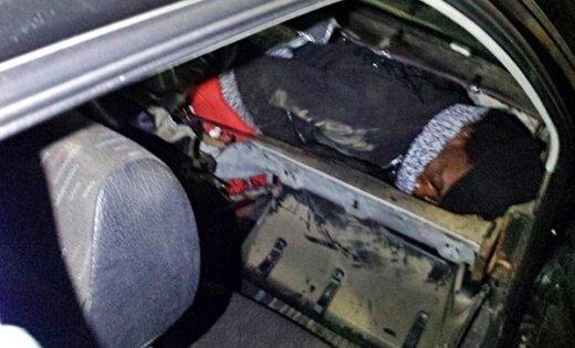 ВИспании марокканка арестована запопытку провезти беженца вчемодане
