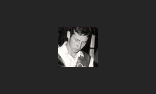 """ФОТО: Волонтер передачи """"Жди меня"""" разыскивает людей в Латвии (+ январский список)"""