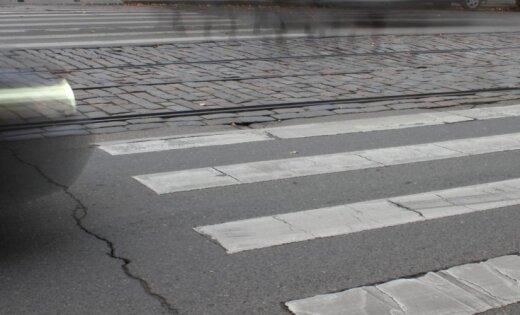 Ремонт пешеходного перехода на бульваре Аспазияс обойдется в 105 тысяч евро