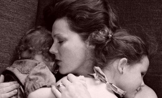 Septiņu bērnu mammas atziņas par to, cik 'viegli' ir audzināt bērnus