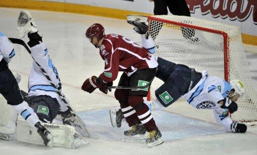 «Сибирь» одержала волевую победу вРиге— Хоккей